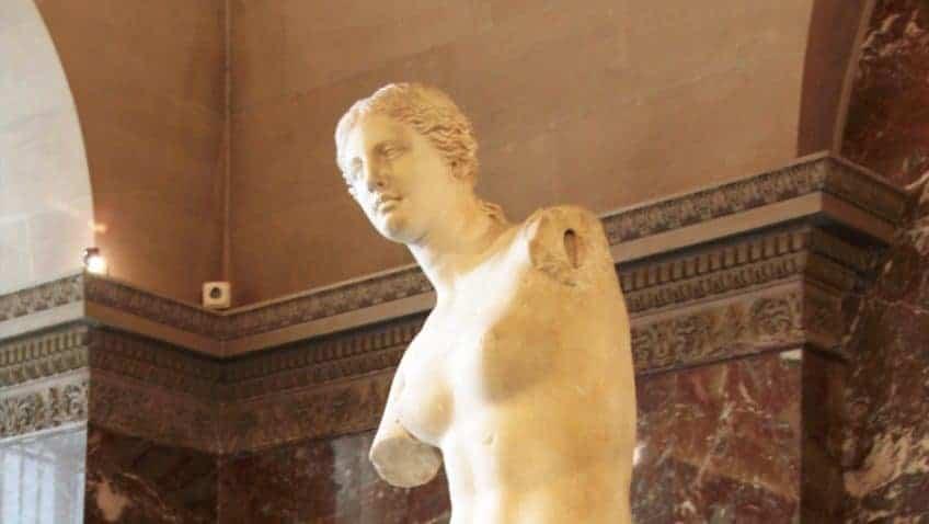 Venus de Milo Sculpture in Louvre