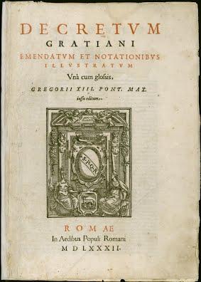 Gothic art depicted by Decretals of Gratian