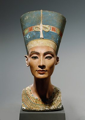 egyptian art depicted by Nefertiti Bust