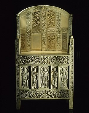 byzantine art depicted by Throne of Maximian